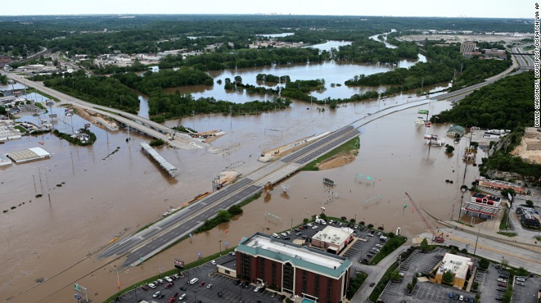 Floodwaters-Interstate-44-Highway-141-St.-Louis-County-Missouri
