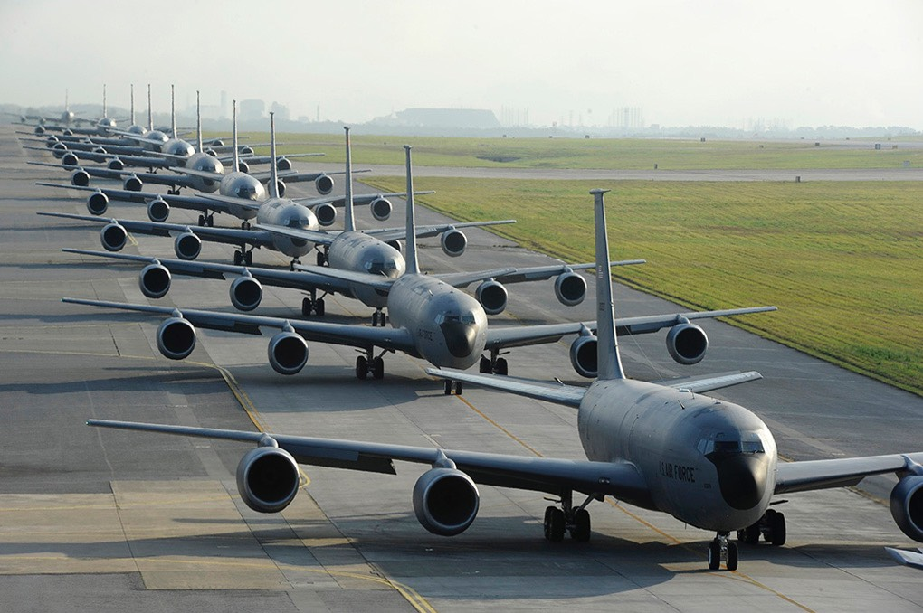 Kc-135 tanker cell departure -the Aviationist