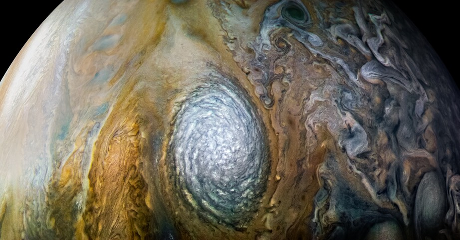 Large white oval in Jupiter's North Temperate Zone, Juno