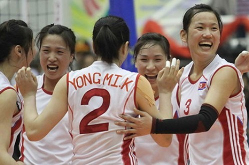 North Korea's 4.25 players celebrate their victory over Lien Viet Post Bank at the 2015 VTV-Binh Dien International Women's Volleyball Championship on March 29. Photo credit- Tuoi Tre