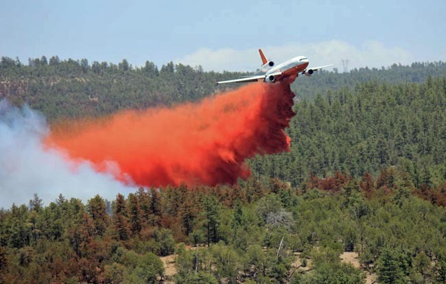 Tanker 911 pulling up just after a drop on the Poco Fire in Arizona, June 15, 2012. -Ian James