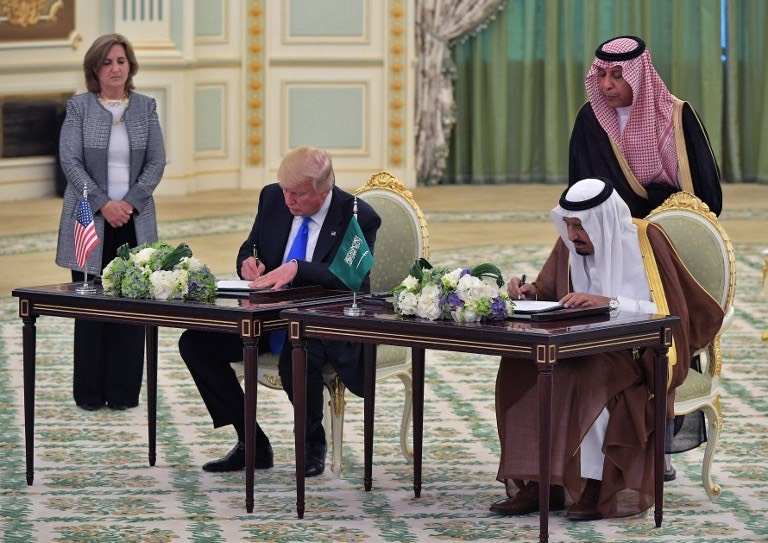Trump-and-Saudi-King-Salman-bin- Abdulaziz-sign-record-weapons-deal-in-Riyadh-palace-May-20, 2017- Mandal-Ngan- AFP